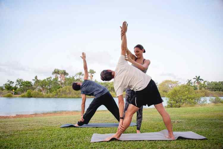 lezioni di gruppo di yoga