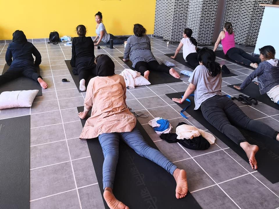 home for all lezioni di yoga